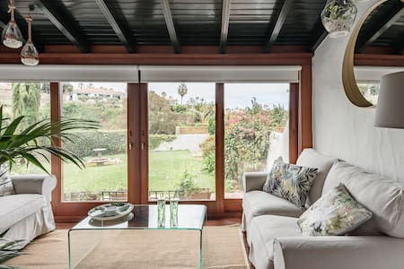 Casa Jorgito—Canarian-Style House With Private Pool