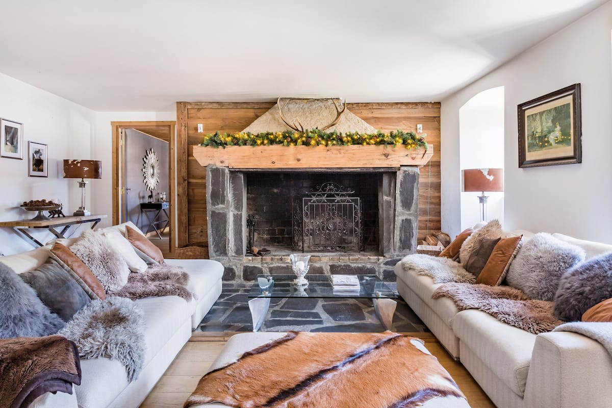 All-Season Boutique Chalet in the French Alps