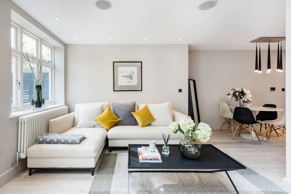 Chic work from home apartment. Hampstead Heath
