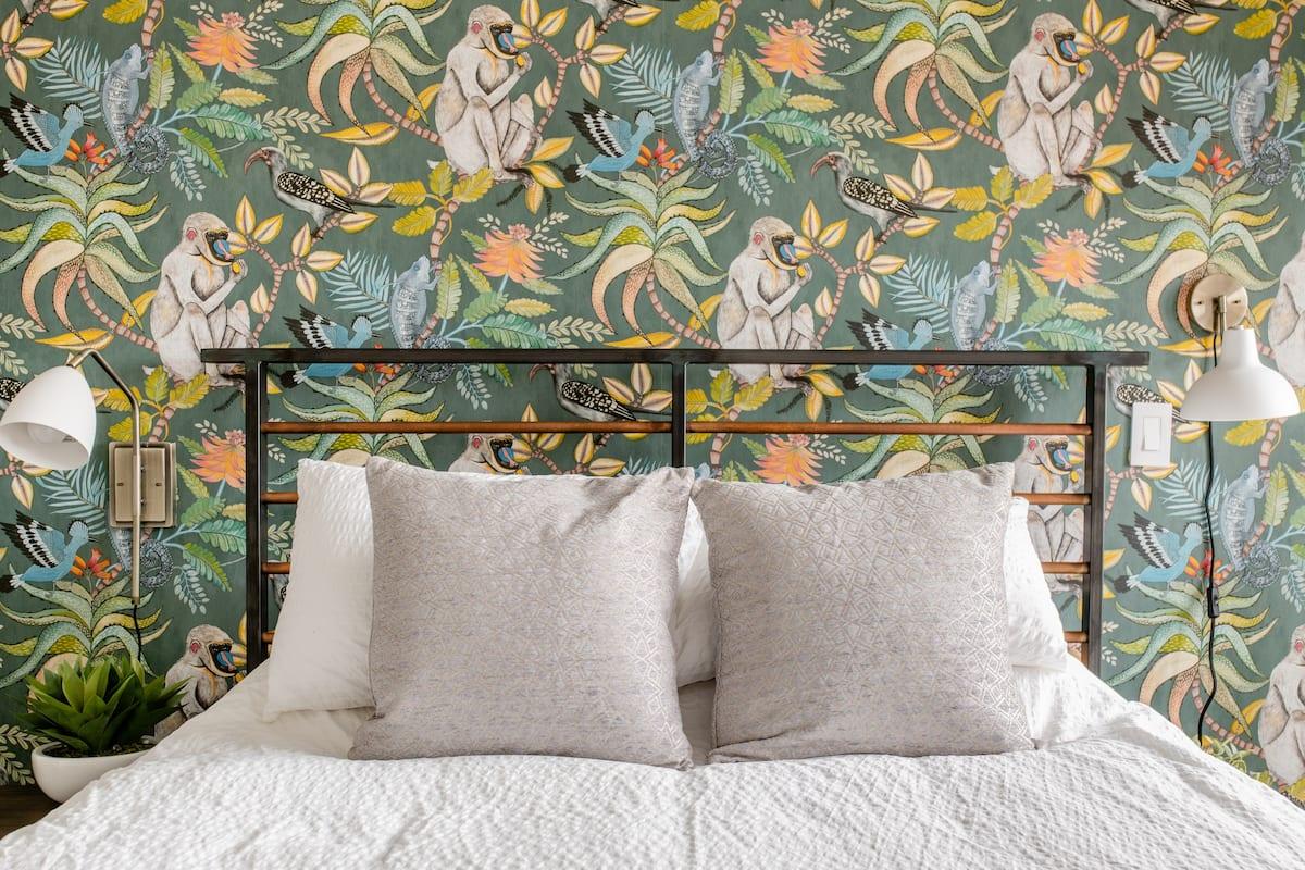 Half Price - Sun Filled Garden Room With En Suite Bath