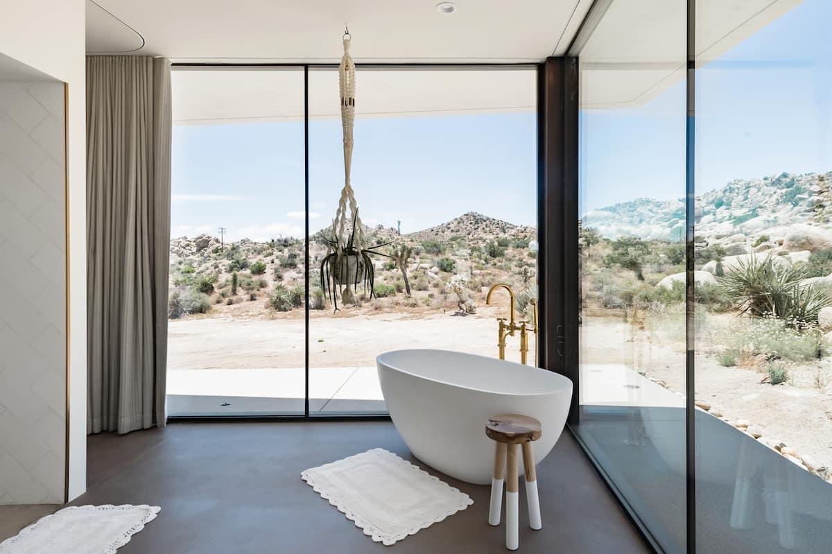 All-Glass Modern Joshua Tree Villa with Salt Water Pool/Spa