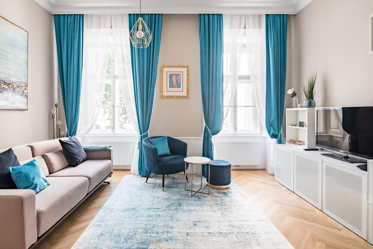 In Blau: Ruhiges, zentral gelegenes Apartment Bleu