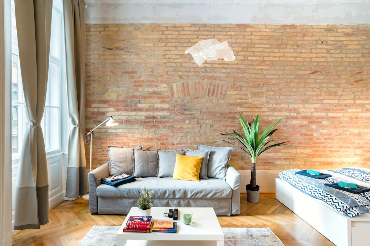 Bask in Sunlight at a Rustic Abode in the Soho of Budapest