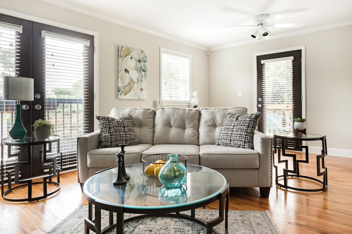 Inspired Chic Apartment with Back Deck