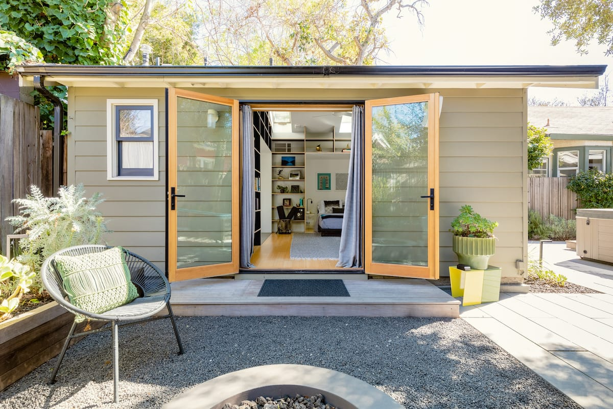 Magical Contemporary Casita in Trendy Temescal
