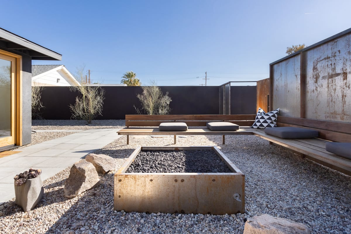 Desert Isolation Mid-Century Home In Downtown Joshua Tree