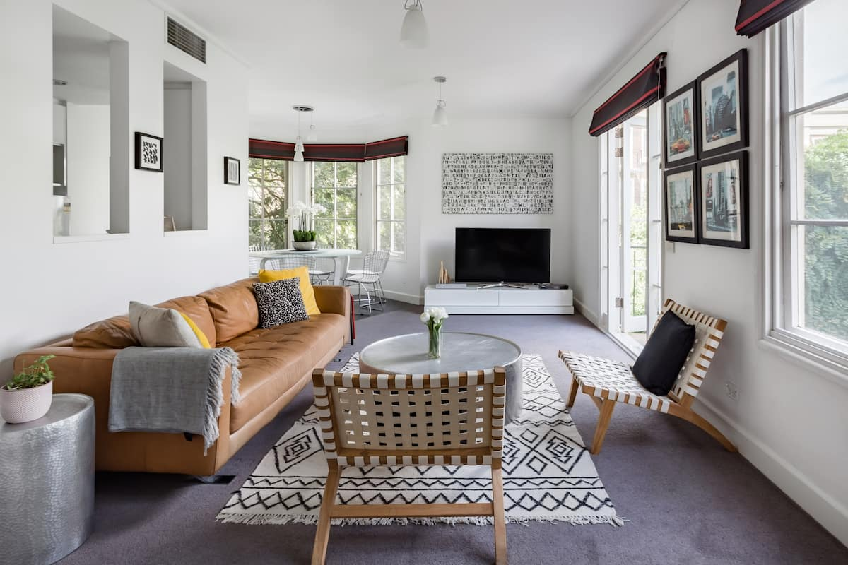 Smart, Radiant Flat in East Melbourne