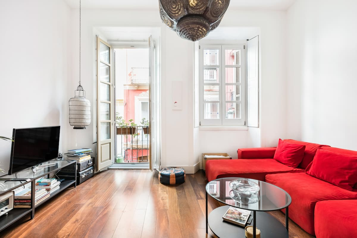 Remodeled Arty Apartment in a Historic Central Building