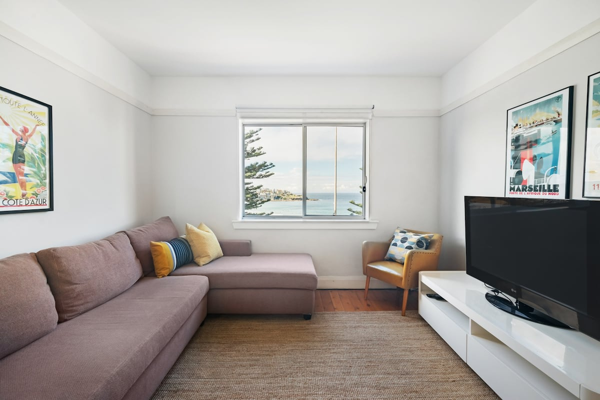 Panoramic Views of Bondi Beach From Bright Interior