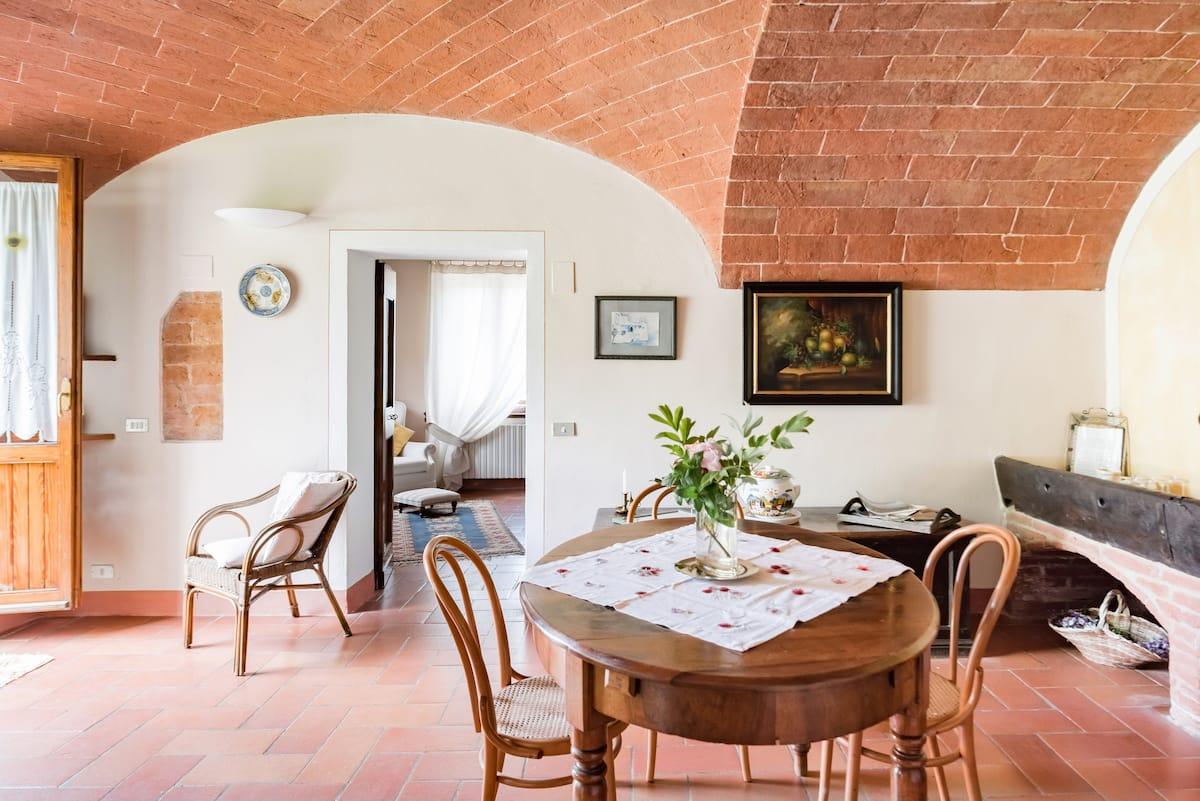 Appartamento di charme in casa del 1700 con piscina