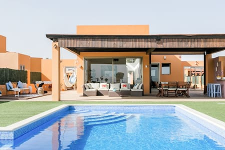 Exclusive Family Villa. Ocean-View Heated Pool Playground