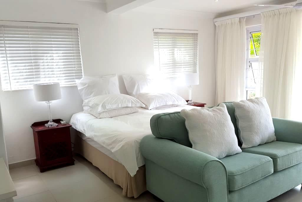 Cameron House Self-catering Flat 2 - Umhlanga - Gästehaus
