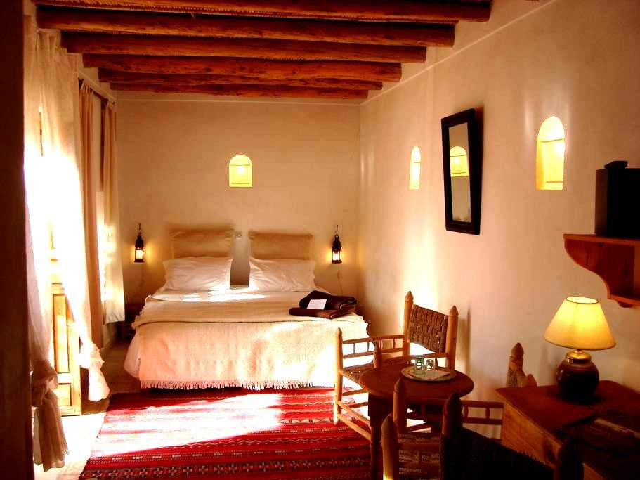 Chambre confortable dans un verger - Lalla Takerkoust - Bed & Breakfast