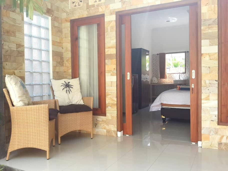 paradiso1 room with AC & hot shower - Pemenang