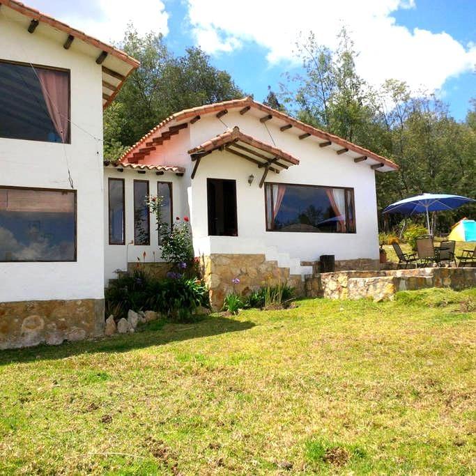 Casa-Finca en Guatavita (Vereda Tominé de Indios) - Guatavita