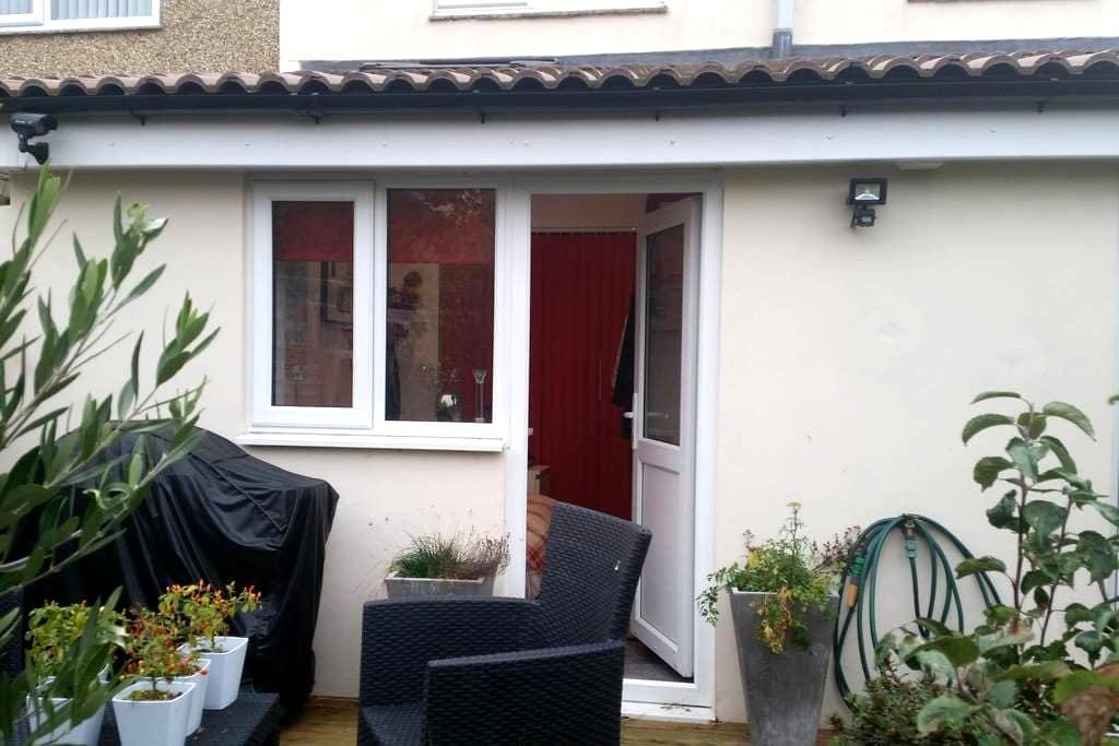 Self contained, light and smart - Gosport - Hus
