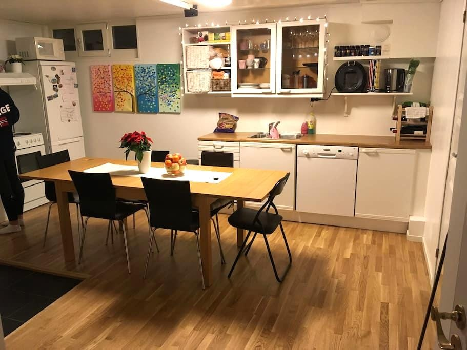 Cozy, clean and fully equipped apt close to centre - Trondheim - Apartamento