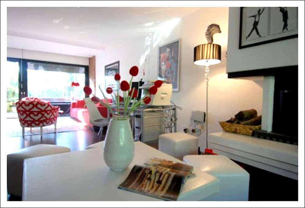 Villa with terrace and garden for 6 - Rome - Villa