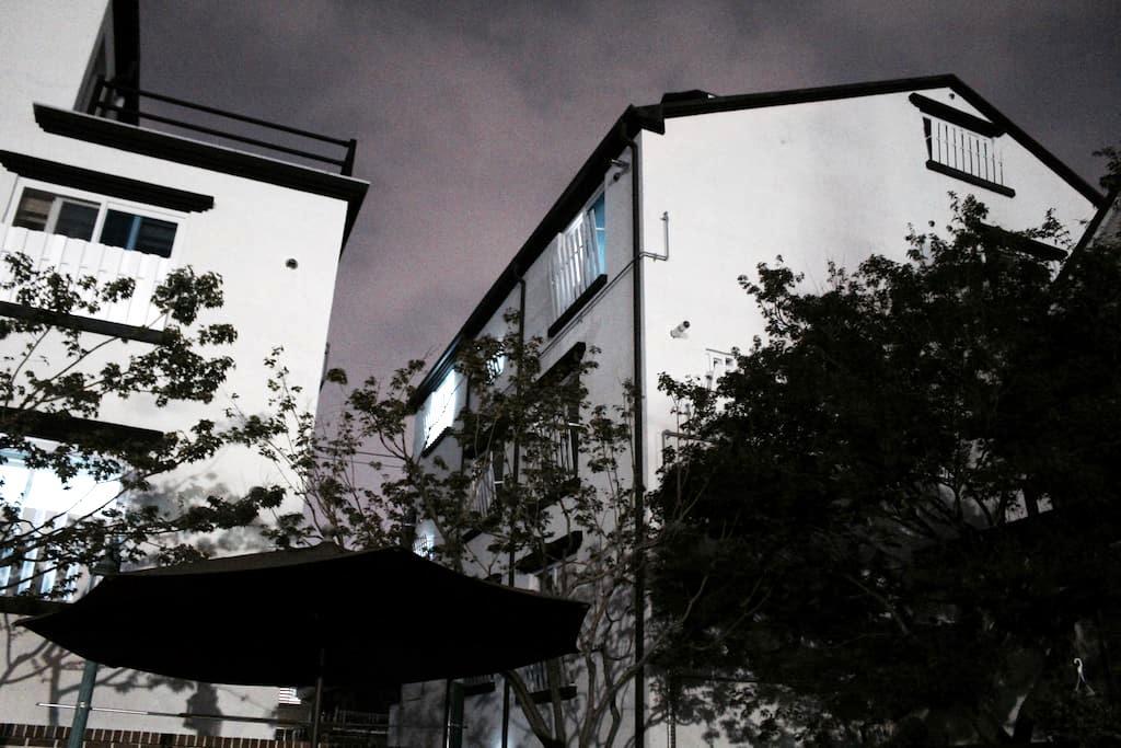 • 집전체 • 주차가능 • 미니멀한 중화산동 원룸 - Jeonju-si - Appartement