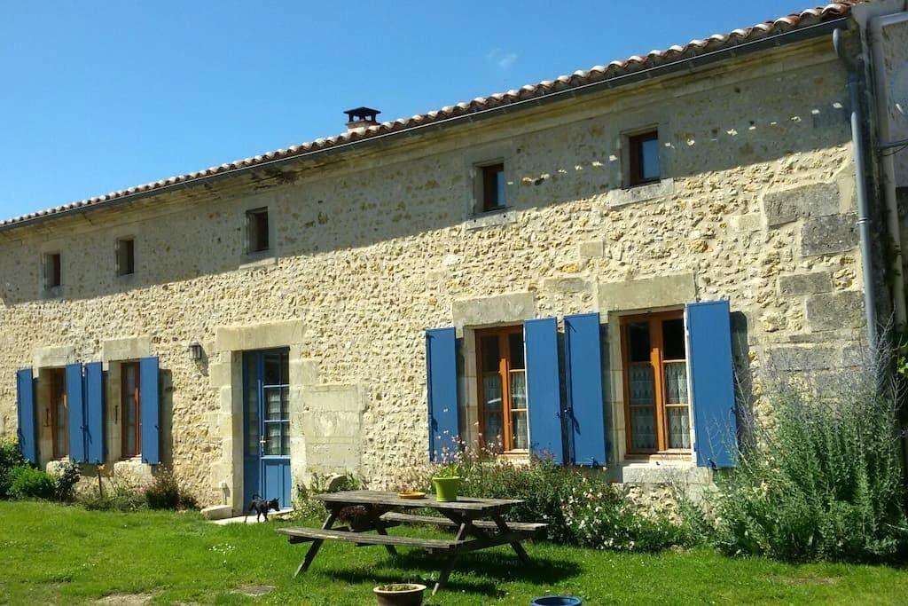 Maison Charentaise     3 étoiles - Coux - Haus