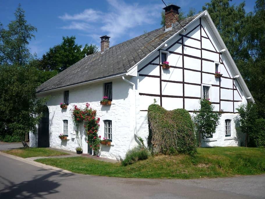 Gîte rural à proximité des Fagnes - Malmedy - アパート
