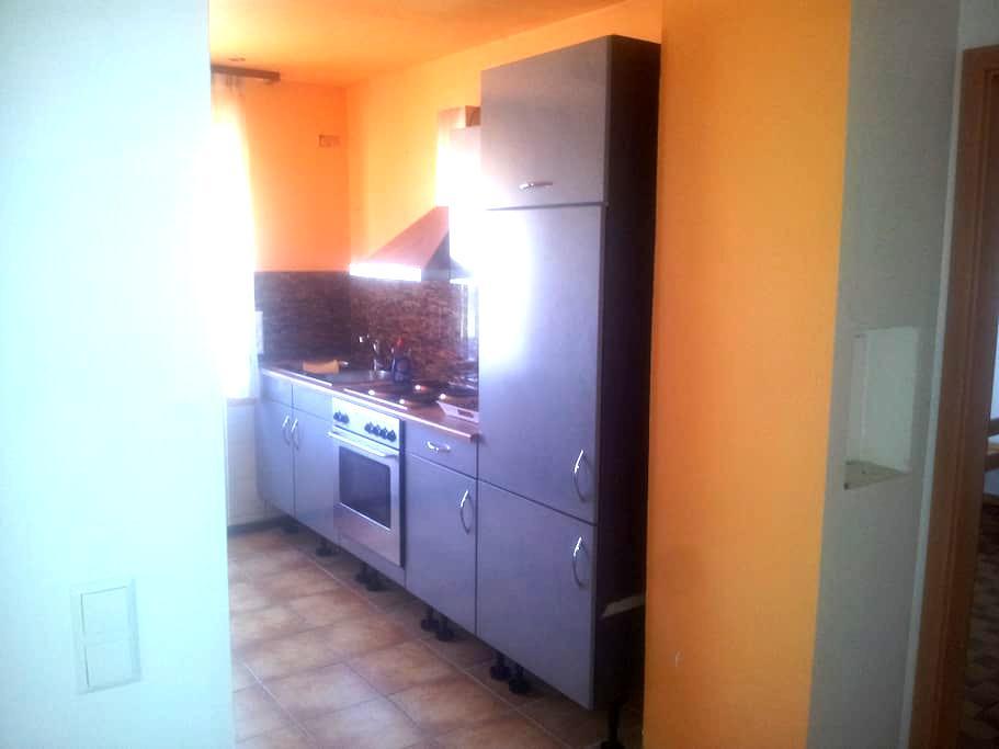 Ferien- / Monteur-/Zimmervermietung - Holzmaden - Lägenhet