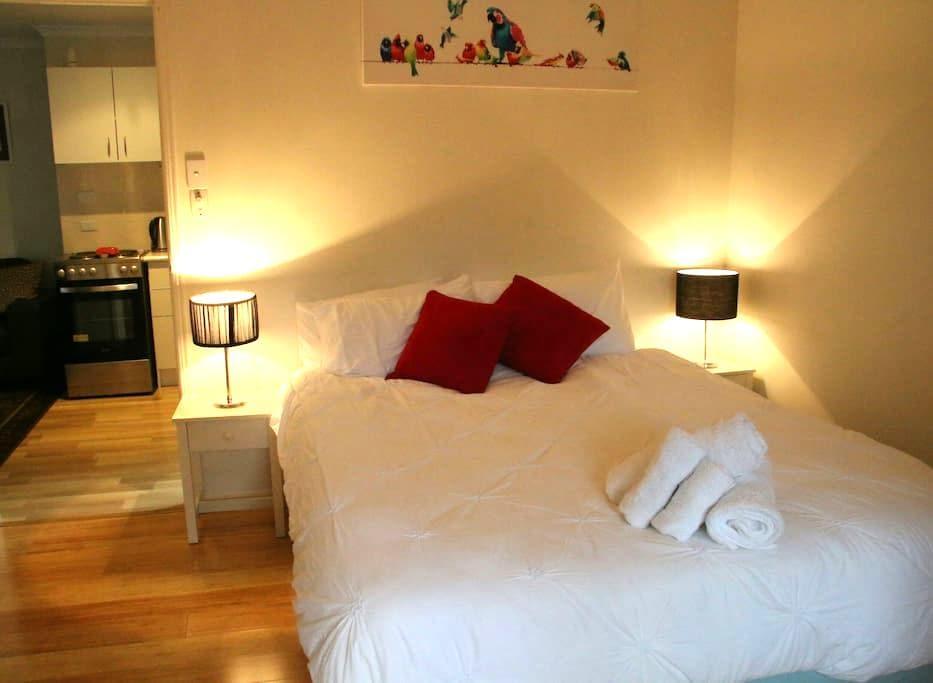 Studio Apartment-WiFi/Foxtel/Aircon - Byron Bay - Apartemen