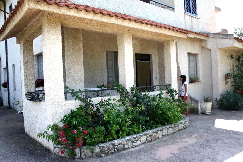 Appartamento in villa - Sellia Marina