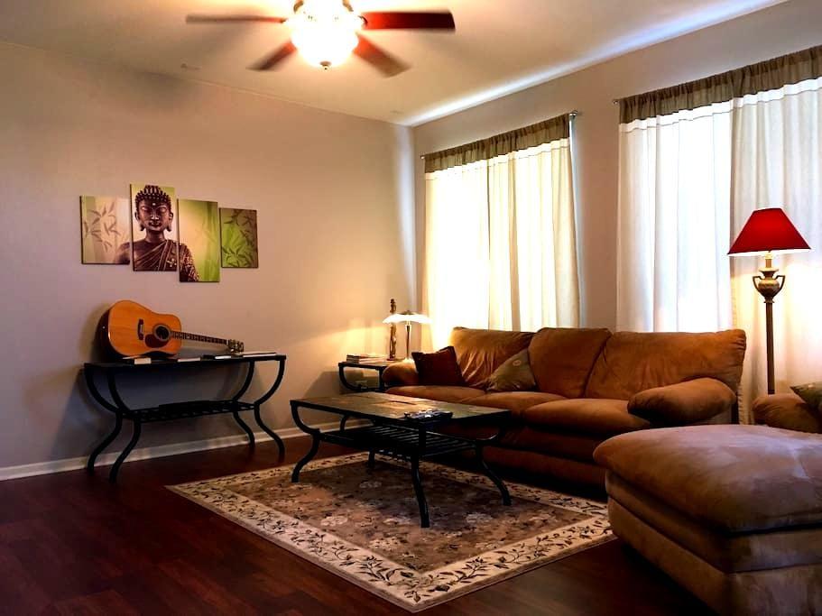 QUEEN Room 1st Floor - Plainfield
