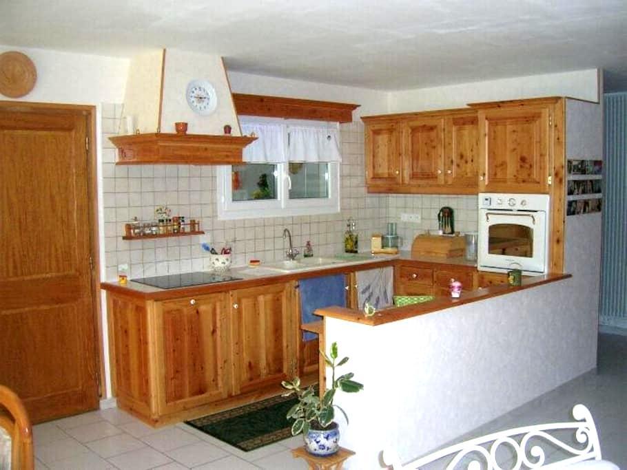Appartement plein pieds dans maison - Chatuzange-le-Goubet - Pis