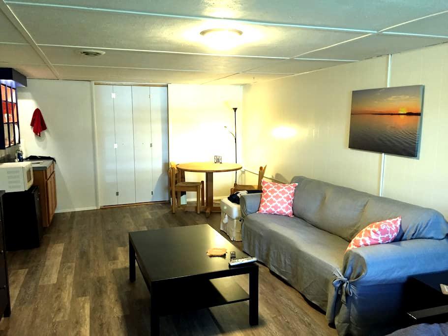 Private guest suite in prime location near PSU - State College - Apartamento