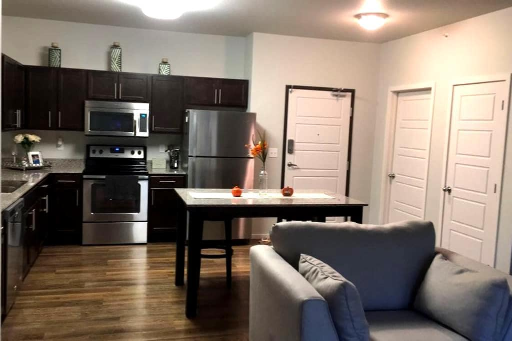 Your home away from home. - Rochester - Apartment