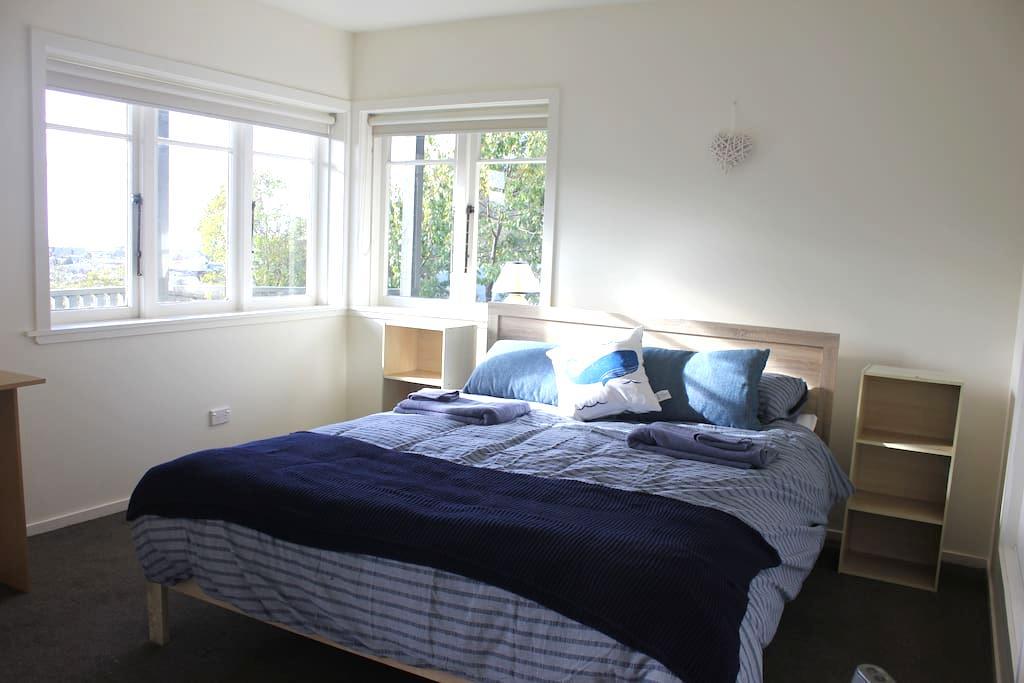 Sunny Self Contained Apartment. - Nelson - Leilighet