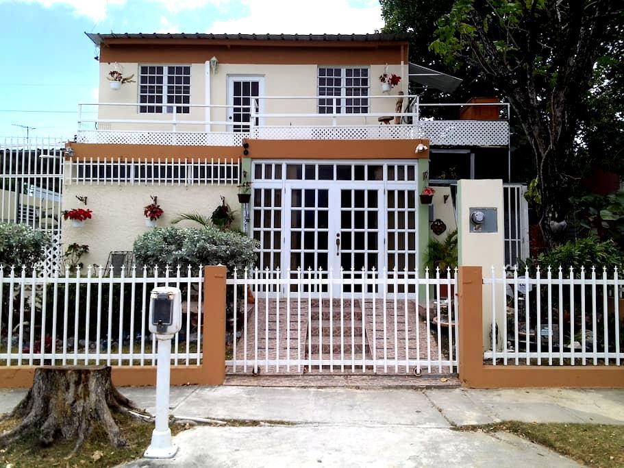 2nd Story Furnishd Apart. (2 rooms) - Ponce - Kondominium