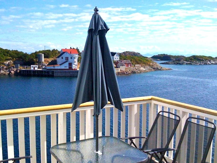 Apartment with fantastic seaview in Henningsvær. - Vågan - Daire