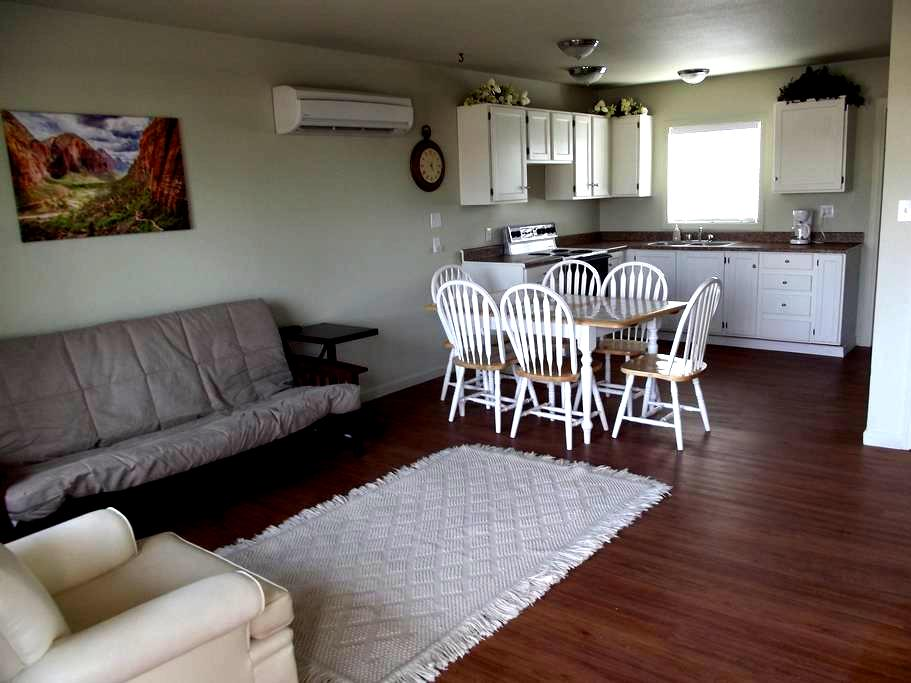 Antelope Cyn, Horseshoe Bnd, Nearby - Page - Apartment