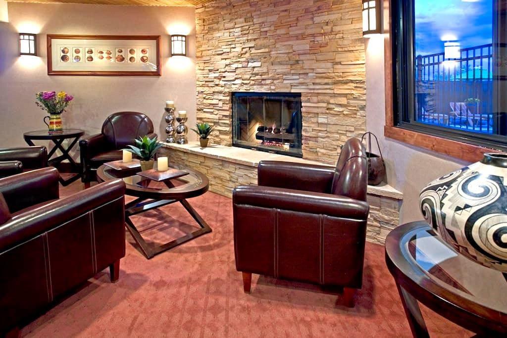 Charming 2 Queen Room at the Inn-B - Santa Fe - Bed & Breakfast