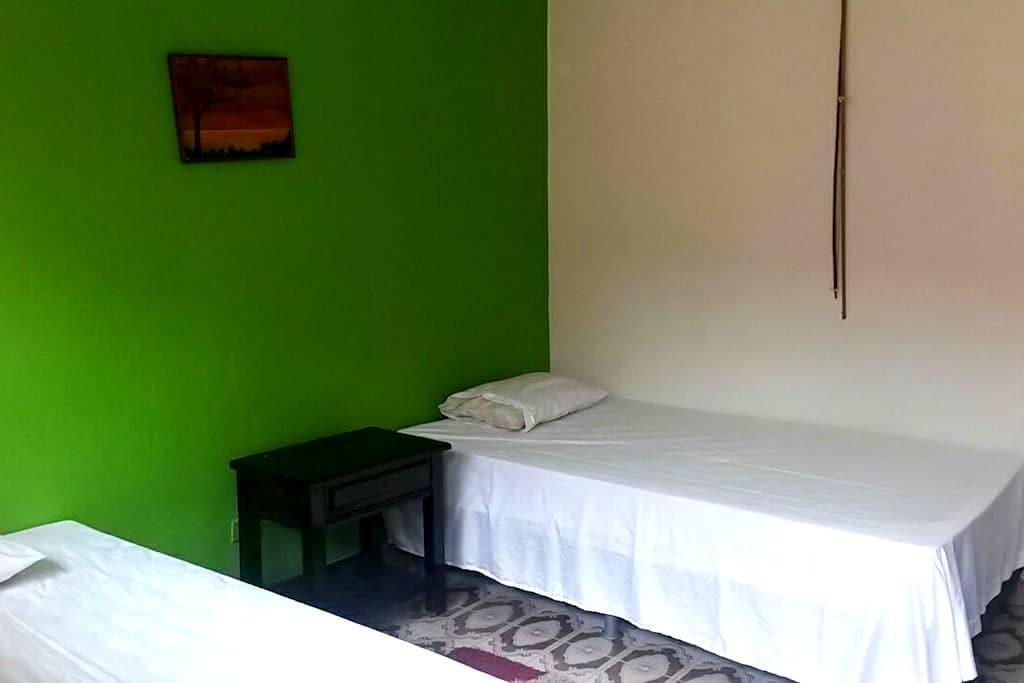 Hotel residencia marina 1 y 2 camas - Leticia - 其它