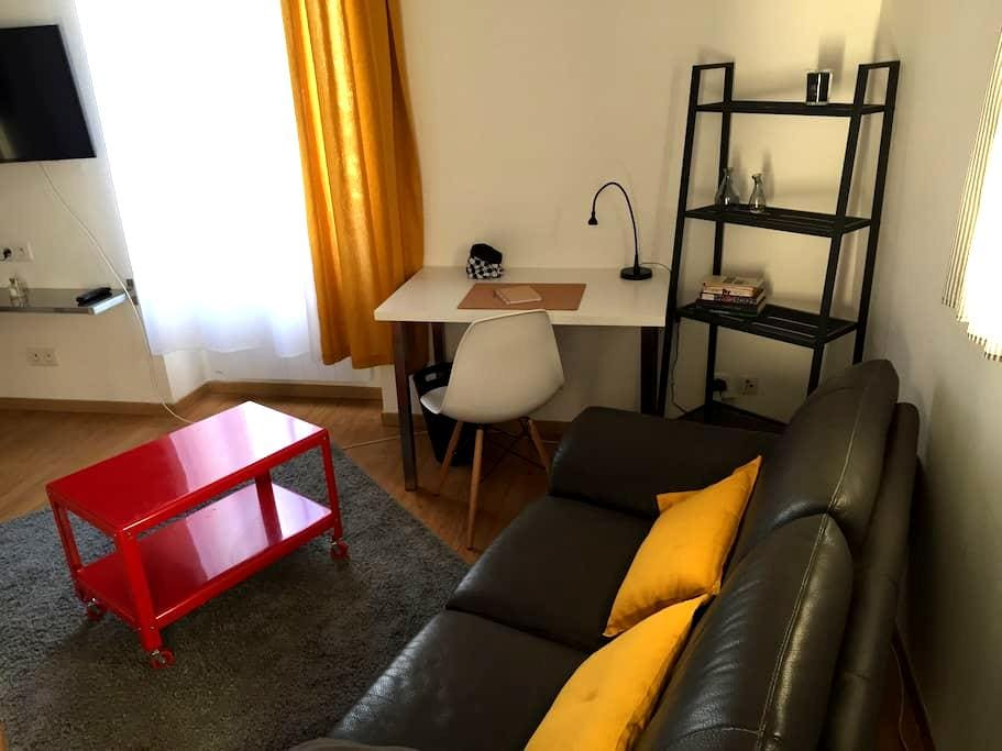 Appart contemporain village aixois - Coudoux - Apartment