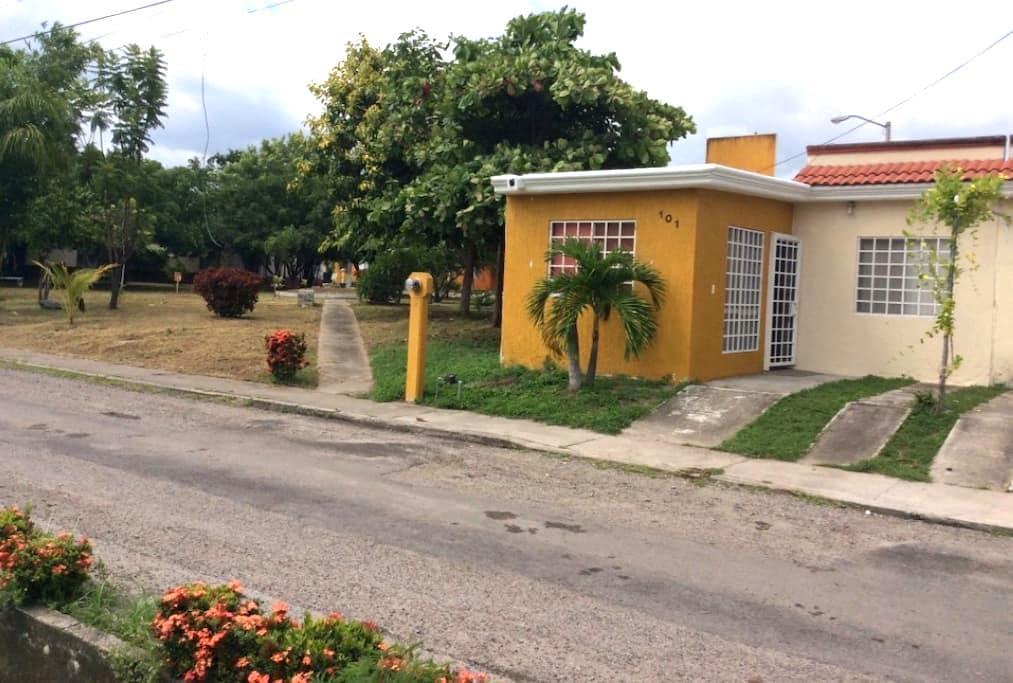 Nice&well located little house near Nuevo Vallarta - ヌエボ・ヴァラルタ - 一軒家