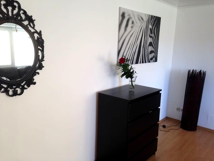 Moderne zwei Zimmerwohnung - Forst - Apartment