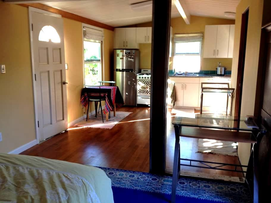 Stargazing Studio with Private Deck - Baywood-Los Osos - Hus