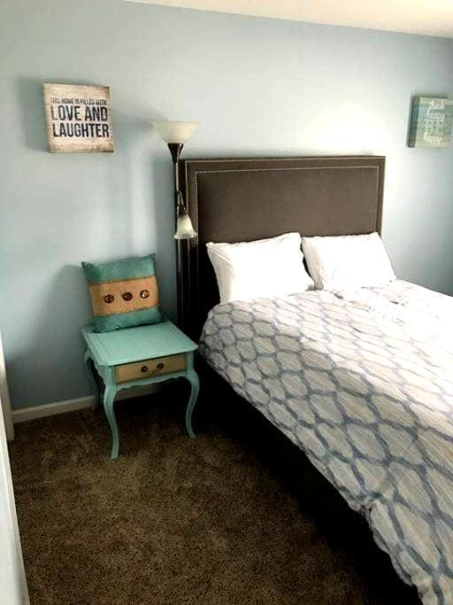 Private Room in Cozy House with Awesome Hosts! - Soddy-Daisy - Haus