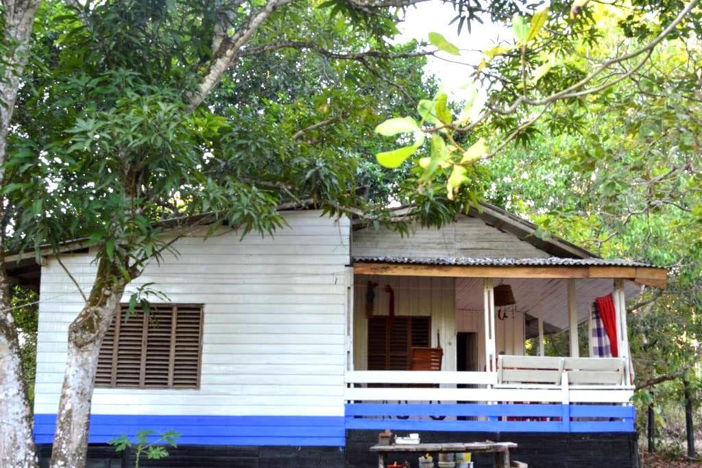 Uma cabana na floresta amazônica -  Santana AP - Zomerhuis/Cottage