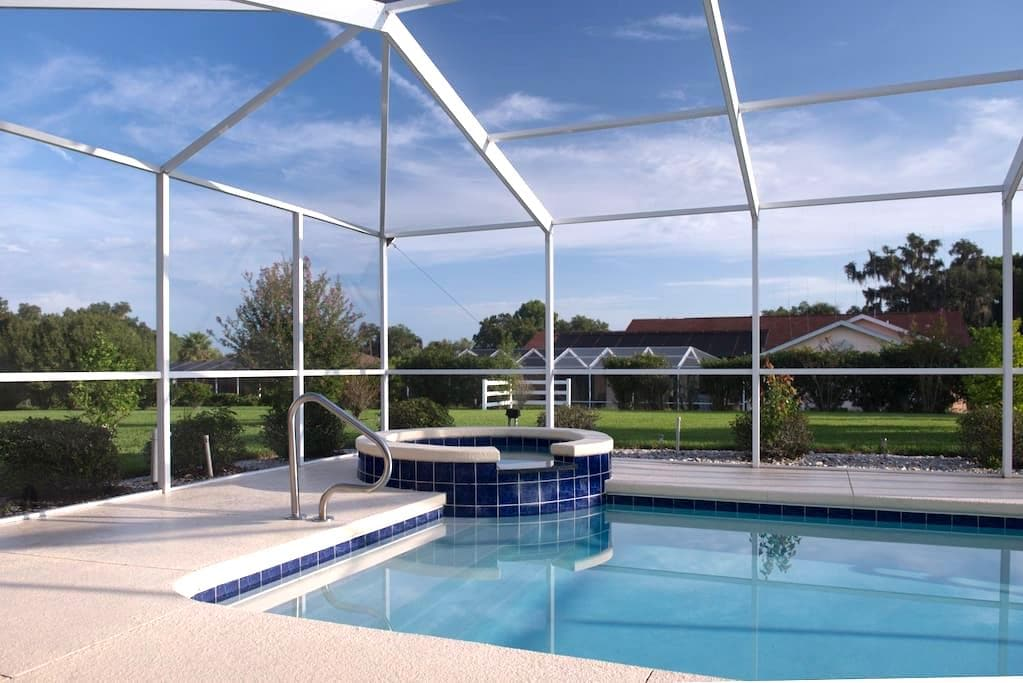 Great golf villa with private pool - Inverness