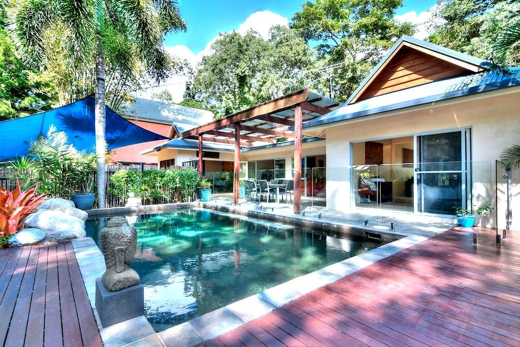 Beach Side Holiday Home - Oak Beach - Casa