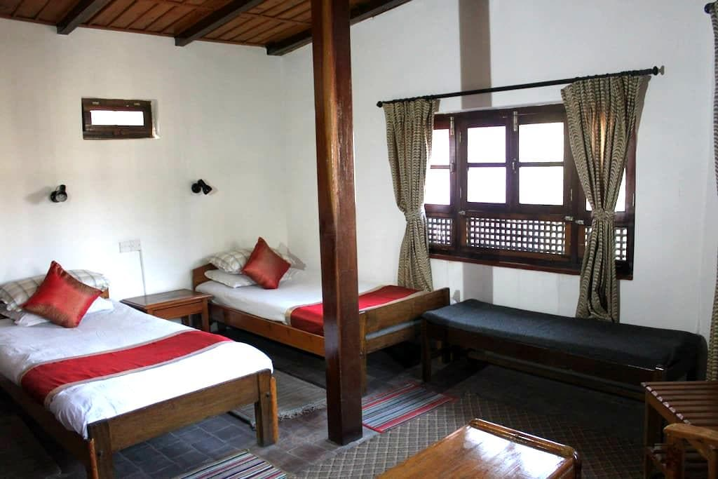 Krishna House - Twin Room - Bhaktapur - ที่พักพร้อมอาหารเช้า