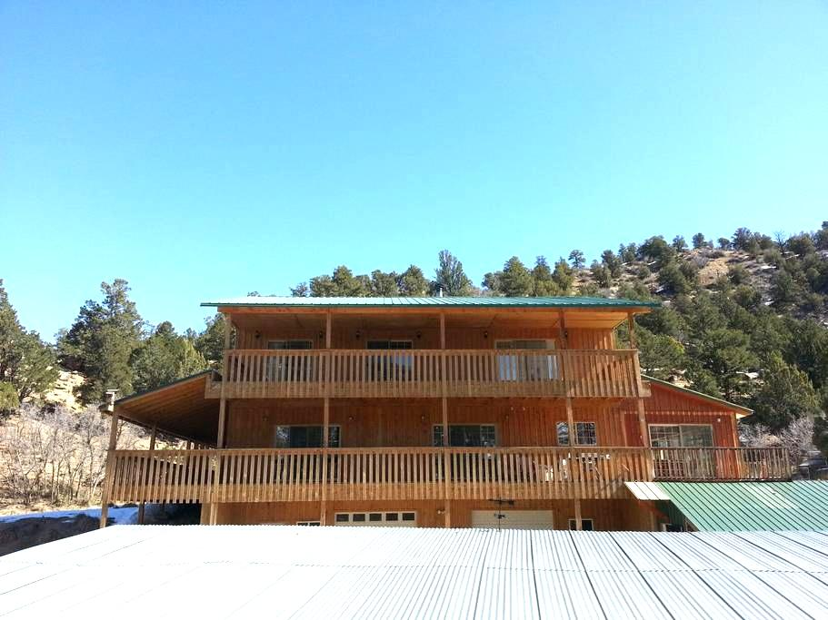 Golden Haven Ranch- Ranch View Room - Glendale - Talo