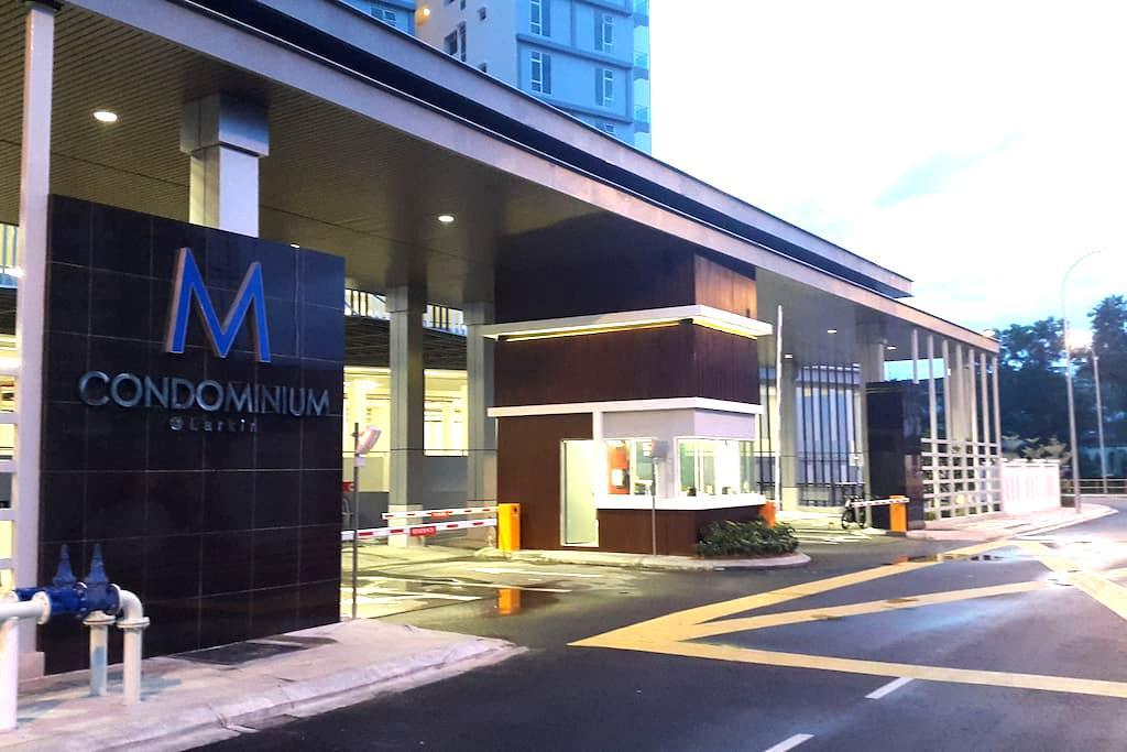 M Condominium 3R2B 1-8 Pax @ JB Larkin Johor Bahru - Johor Bahru