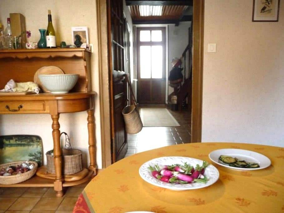 Perfect hideaway in wine village - Remigny - Hus